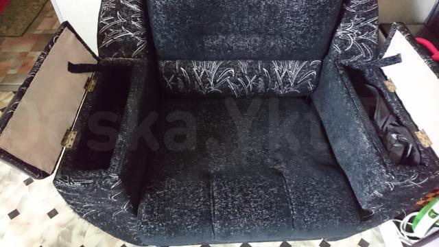 Кресло - кровать, с боковыми карманами б/у 5 из 5, всего 6500р. Самовывоз Кальвица.  Обмен на ваши варианты. Ватсап 79241758878