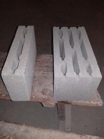 """Производственная компания⚒🏗 """"СитимСтрой+"""" продает бетонные блоки М75 от 53 рб, полублоки М50 от 30 рб. Оптовикам скидки💸. Выдаем паспорт, протокол испытаний ЯкутПНИИС📃. Заключаем договора📑 на поставку🚚 по городу и в районы. А также строим🏗 частные дома🏘, коттеджи🏡, гаражи и не жилые помещения🏪 любой сложности из своего материала под ключ🗝, гарантия качества и быстрые сроки, разумные цены💰👍🏻. При покупке от 40000 рб. бесплатное составление сметы📈, эскизного проекта. Расчет расхода материала📊.Любая форма оплаты💵💴💰💳. Работаем через ипотеку, материнский капитал👨👩👧. Организациям при покупке предусмотрены бонусы💸. Офис: Вилюйский тракт 3 км дом 57/3  Производственный цех: переулок Базовый 2, """"б"""" Тел 747-636; 89142931347 Whatsupp"""