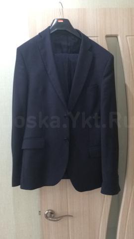 Продаю костюм темно-синего цвета, размер 44-46, рост 182, покупали в магазине синар за 6,5 тр, в отличном состоянии