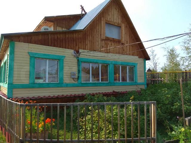 Продаю дом, ИЖС, на Покровском тракте 10 км. 19 соток. Дом 2-ух этажный, круглогодичный. Имеется баня, гараж на 3 автомобиля, летний водопровод, свет круглый год, газ ( стоит котёл двухконтурный)
