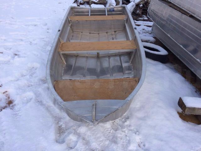 """Алюминиевая лодка """"Нептун 370""""    1) Алюминиевая лодка """"Нептун 370""""  , Новая, длина 3,72 м., ширина 1,4 м., вес 85 кг, грузоподъёмность 300 кг, 3 чел. мощность 15 л.с., весла. 2) Алюминиевая лодка """"Нептун 390""""   Новая, длина 3,72 м., ширина 1,4 м., вес 85 кг, грузоподъёмность 220 кг, 3 чел. мощность 15 л.с.,весла.  Цена 78 000  руб.  тел. 717-986"""