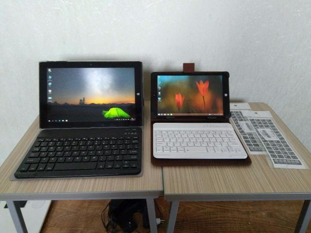 """Цены снижены! По срочной цене! Недорого продаю два планшета с клавиатурами и чехлами (компактные мини ноутбуки).  1. Chuwi Hi10 - новая цена 11 000 руб - Операционная система Windows 10 Домашняя, лицензионная. - Дисплей 10,1"""" дюймов IPS FullHD, разрешение 1920х1200. Наклеена защитная пленка. - Процессор мощный Intel Atom x5-Z8300, четырехядерный. - Память 64 Гб, поддержка карт памяти MicroSD до 128 Гб. - Оперативная память 4 Гб. - Беспроводные сети: Bluetooth 4.0 Wi-Fi 802.11 b/g/n - Камера: Фронтальная и Тыловая - 2МР - Разъемы: 1-USB 2.0, 1-USB 3.0, 1-Micro USB (OTG support), Micro HDMI, вход для наушников. - Аккумулятор 7000 мАч. - Бонус: наклейки с русскими и английскими буквами на клавиатуру.   2. Chuwi Vi10 - новая цена 7 000 руб.  - Операционная система Windows 8.1 (лицензионная) и Android 4.4 (Dual OS, две операционные системы). Можно установить Windows 10 (Я не умею просто). - Дисплей 8"""" дюймов IPS HD, разрешение 1280х800. Наклеена защитная пленка. - Процессор мощный Intel Atom Z3735F, четырехядерный. - Память 32 Гб, поддержка карт памяти MicroSD до 128 Гб. - Оперативная память 2 Гб. - Беспроводные сети: Bluetooth 4.0 Wi-Fi 802.11 b/g/n - Камера: Фронтальная и Тыловая - 2МР - Разъемы: 1-Micro USB (OTG support), Micro HDMI, вход для наушников. - Аккумулятор 5000 мАч. - Бонус: наклейки с русскими и английскими буквами на клавиатуру.  Состояния планшетов отличные, полный комплект, коробки бумажки зарядники кабеля все есть. Чехлы с магнитными блютус-клавиатурами (батареи клавиатуры встроенные и заряд держат очень долго). С маленьким планшетом от себя дополнительно отдам """"кабель OTG"""" с помощью которого можно подключить флешки, мышки и другие устройства.  Могу доставить до адреса."""