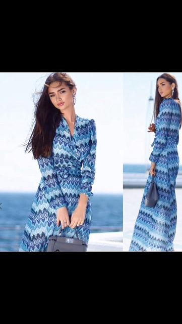Продаю платье на запахе , подойдёт на 46-48 размер , на рост не ниже 165 см , был одет один раз