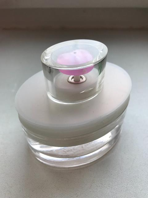 Туалетная вода Par Amour Toujour Clarins 50 ml, б/у. Обращаться в WhatsApp.  https://www.fragrantica.ru/perfume/Clarins/Par-Amour-Toujour-370.html