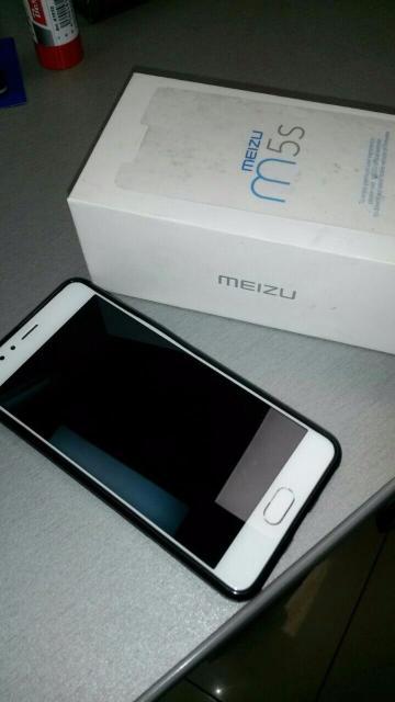 Продаю мейзу m5s 32gb dual sim. В отличном состоянии,в комплекте все есть. Или обмен на айфон se,5s пишите ватсап.
