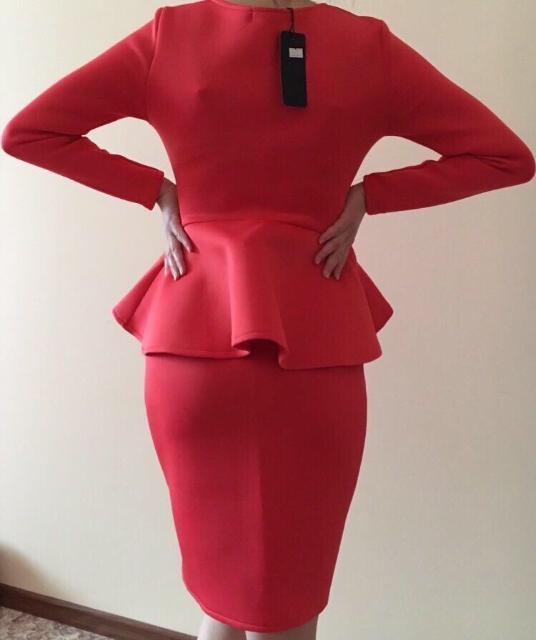срочно продам новое платье 42р, все подробности по ватсап.