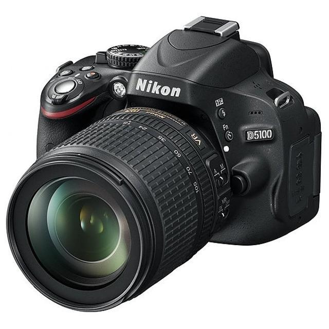 Зеркальная фотокамера Nikon D5100 + объектив Nikon 18-105mm f/3.5-6.3G ED AF-S VR DX + фотовспышка Nissin Di-466. Разрешение фото 16 Мпикс. Разрешение видео 1920x1080. Отличное состояние, полная оригинальная комплектация (коробка, инструкция и ПО, зарядное устройство, плечевой ремень, шнуры, заглушки). При реальном интересе и наличии денег возможен вариант торга. Обмен не предлагать. Продается только в комплекте.