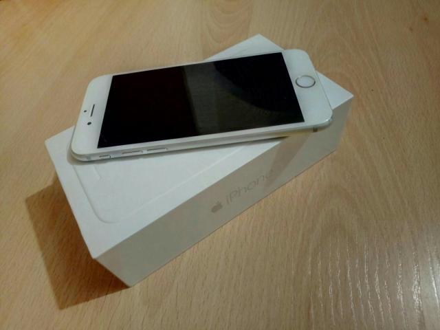 Срочно продаю iPhone 6 16GB цвет серый космос защитный чехол золотистого цвета Полный комплект зарядка,наушник,коробка и документы все есть Состояние отличное