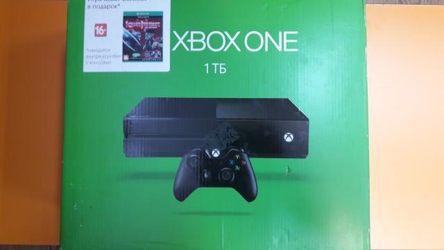 продаю X-BOX one один джой + игра весь комплект + гарантия на 1 год