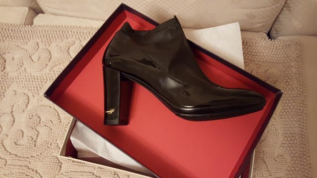 Продаю новые ботильоны фирмы Fabiani (Италия), каблук 7 см, размер 38