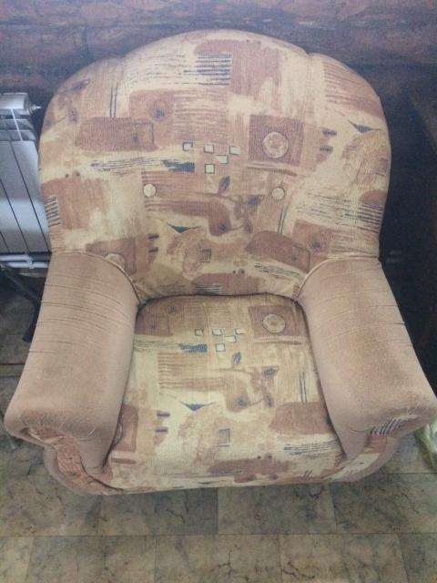 Кресло б/у, в хорошем состоянии