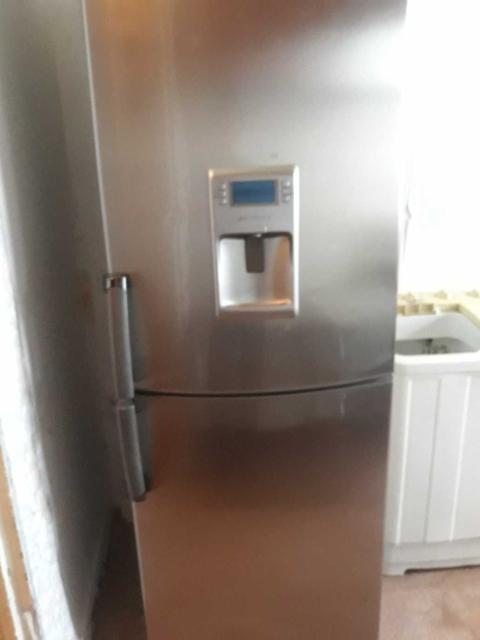 продаю холодильник whirlpool на запчасти
