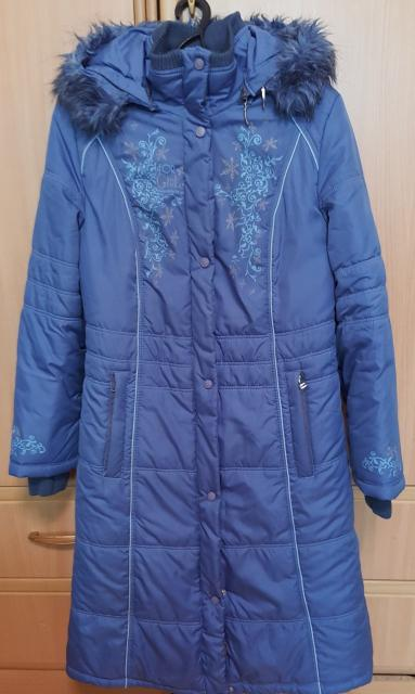 Продаю пальто на синтепоне размер 40 рост 158 (на 12-14 лет), фирма Юнистайл (Россия), в хорошем состоянии.