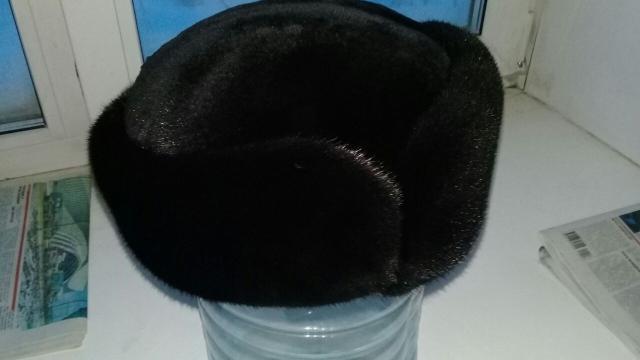 Продаю норковую шапку (блеклама) новая, раз 60