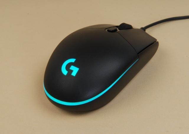 продам игровую мышь Logitec G102 prodigy в идеальном состоянии 8000DPI