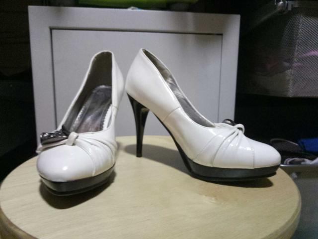туфли на каблуке р. 35