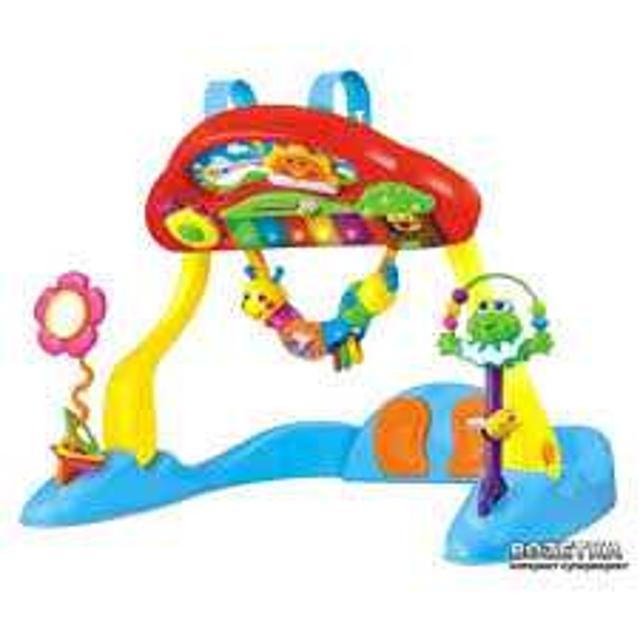 Развивающий игровой центр Веселое пианино Joy Toy В идеальном состоянии! Можно играть в 3-х положениях: на спине, на животе и сидя! На каждой клавише пианино мигают огоньки и звучат мелодии. Солнышко ездеет из стороны в сторону. Лягушку, цветочек и гусеницу можно снимать и играть отдельно. Само пианино так же снимается и можно подвесить на кроватку .
