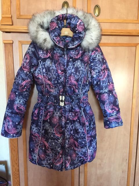 Продаю зимнее пальто р.140-152 на толстом зимнем синтепоне, с капюшоном, подклад на флисе, реально очень тёплое, отлично старается в машине в отличном состоянии