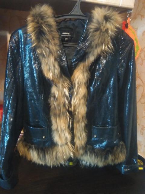Продаю кожаную (мокрый асфальт)женственную курточку . Весна-осень. В отличном состоянии 46-48 размер.