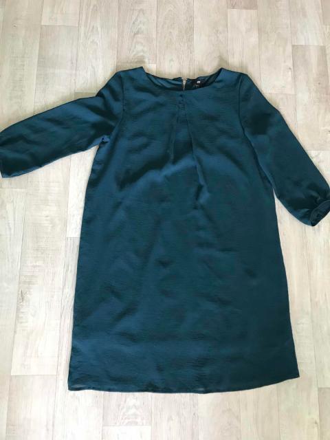 два одинаковых платья фирмы hm по 300рб размер 44-46