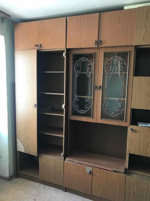 Продам шкаф настенный советский есть зеркала Самовывоз   Отлично подойдёт для дачи или Гаража , а так же для переделки в другую мебель