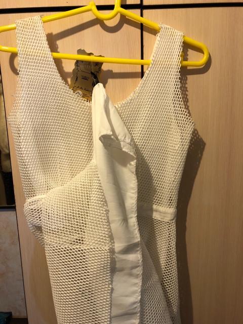 Все платья новые по указанной цене каждая, белая и черная с золотом 40-42 р, фиолетовая на 50р.