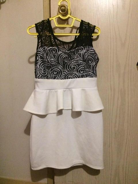 Продаю белое вечернее платье за 1000 руб. Размер 40-42. Причина продажи: редко одевала Ватсап 89990865776