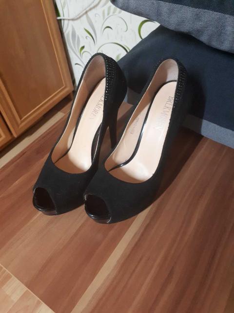 Туфли в идеальном состоянии.Носила только 1 раз,покупались во владивостоке.Очень удобные.Размер 38