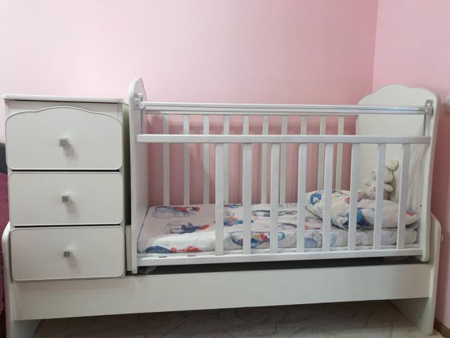 Продам детскую кроватку. В отличном состоянии.