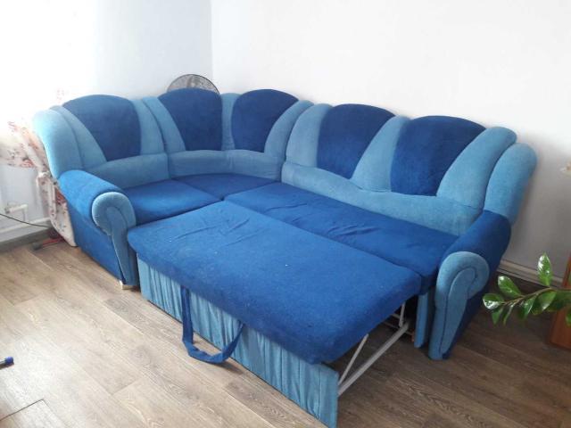 Продаю угловой диван самовывоз Покр.тр.9км