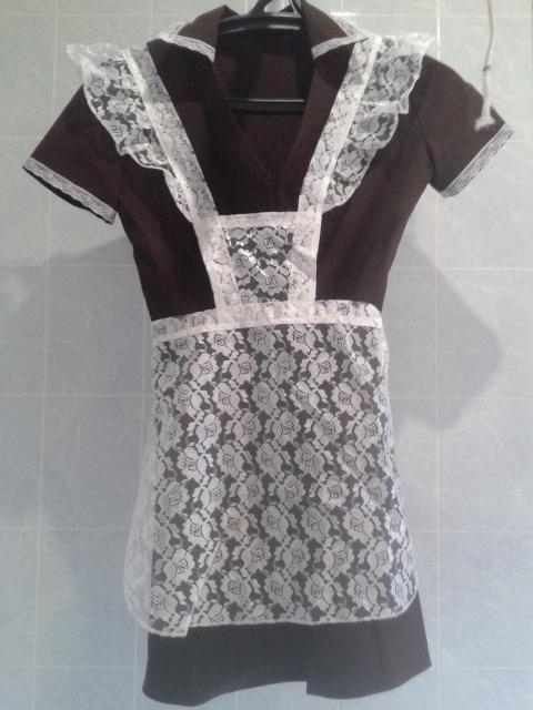 Школьное платье на последний звонок р.44, вместе с белым кружевным фартуком в отл.сост. - 1000 руб.