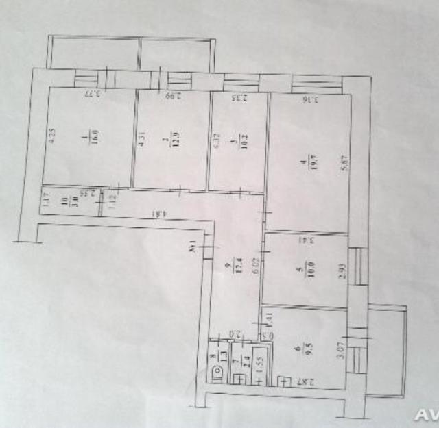 Продаю 5-и комнатную квартиру 102,4 кв.м на Ф-Попова 18  Продаю 5-и комнатную квартиру 102,4 кв.м. на Ф-Попова 18. Этаж 1 из 5, 3 застекленных лоджии ( каждая по 5,12 кв.м. Если считать с балконами то общая площадь около 120 км.м), окна выходят на дорогу и стоматологическую поликлинику. С/У раздельный, комнаты все раздельные, в самой квартире находиться гардеробная, большой коридор. Окна  новые стеклопакеты,   трубы пластиковые. Входная дверь металлическая. Развитая инфраструктура (рядом детские сады, школы, торговые центры, рынок, все остановки в 2-х минутах от дома) В доме находиться библиотека Белинского. Центр города. Квартира очень хорошо подойдет как для житья, так и для бизнеса. Хороший ТОРГ. ЗВОНКИ ПРИНИМАЮ ТОЛЬКО ПО НОМЕРУ: 8-961-633-21-18. Хотите написать на WhatsApp/Viber: 8-926-646-60-78