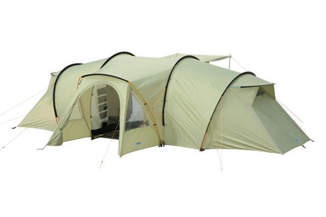 Кемпинговая палатка BASK. Палатка 6 местная для стационарного отдыха на природе. Идеально подходит для большой компании, семейного отдыха с детьми. Станет вашим домом на охоте, рыбалке и сенокосе. Новая. палатка кемпинговая, 6-местная двухслойная, геометрия: полубочка внешний каркас, алюминиевые дуги 2 входа / 2 комнаты вес 15.50 кг водостойкость тента: 3000 мм в.ст водостойкость дна: 5000 мм в.ст внешние размеры (ДхШхВ) 700х240х195 cм навес над входом противомоскитная сетка подвесные полки пристегивающийся пол в тамбуре