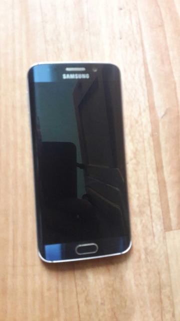 Продаю телефон заднее стекло трещина память 64 GB, документы есть , зарятник есть. Состояние новый 89143007062