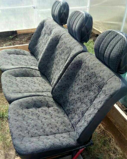 Сиденья. Продаю комплет мягких сидений под УАЗ микроавтобус в отличном состоянии в комплекте 11 мест. Торг