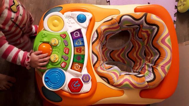 Продаю Ходунки, в отличном состоянии. Музыкальную панель (пульт диджея😅) можно убрать и будет столик.