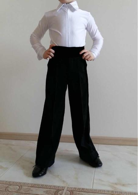 Брюки и рубашка для занятий спортивно-бальными танцами. Б/у. Состояние хорошее. Рост 104 - 110 см. Брюки - 1000 руб, рубашка - 1000 руб. Вместе 1500 руб.