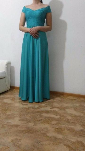 Продам красивое вечернее платье цвета Тиффани/морской волны, ни разу не носила. Размер 44-46, на рост 170, можно ушить самим.