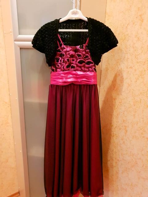 """Платье на выпускной, длинное, на 10-12 лет, из магазина """"Бархатный кот"""", в отличном состоянии. В подарок: черное болеро и перчатки."""