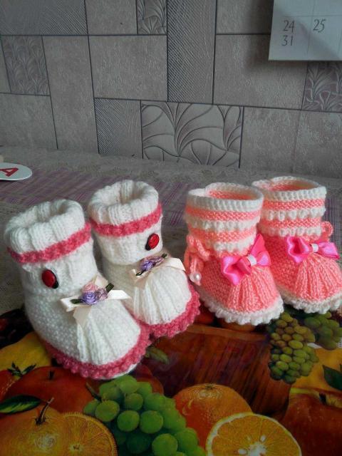 Ручное вязание пинеточек,носочков из детской пряжи Отличный подарок новорожденному