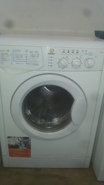 Продам стиральные машины автомат в хорошем техническом состоянии индезит 4кг 6000р .лж  5кг 6000т.р  деу 5кг 6000т.р  индезит  5кг 6000т.р возможно доставка 500р тел.89244685554
