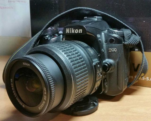 Никон D90 обьектив af-s NIKKOR 18-55mm. Весь комплект коробка зарядка провода. 12.3 мегапикселей. Видео запись. + карта памяти на 4GB. Или обмен на экшн-камеру. Whatsapp 89618672160