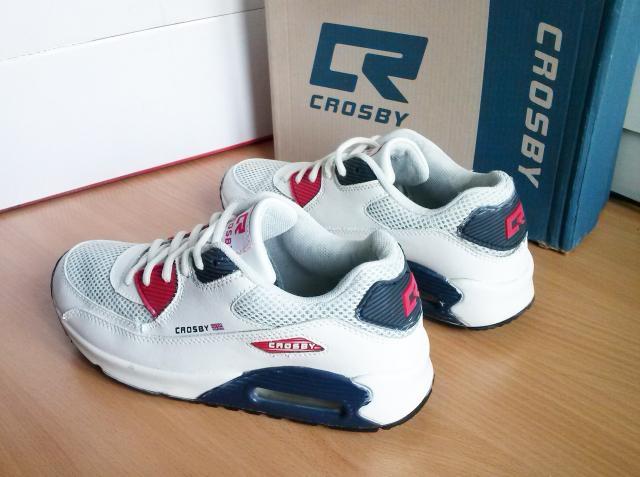 Продаю кроссовки CROSBY 39 размер, состояние хорошее продаю за1000р. тел +79245670363 ватсап.