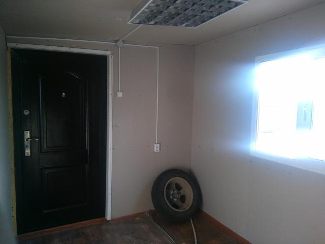 Продается вагончик 3,2 на 2,6 м , утепленный. Имеется светильник и розетка. Окно стеклопакет, открывающийся. Дверь железная с 2-мя замками. Самовывоз с Сатала.