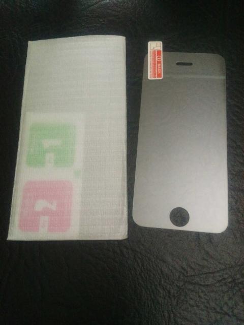 новое защитное стекло на iPhone 5 /5s