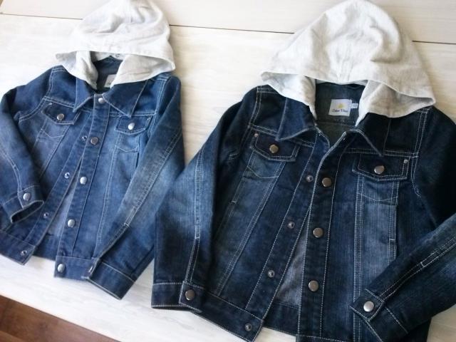 Продаю джинсовые куртки, рост 110 см на возраст 4-5 лет, есть две куртки синего и темно-синего цвета,из хорошей плотной джинсы, трикотажные капюшоны отстёгиваются, Цена - 800р одна куртка. тел +79245670363 ватсап