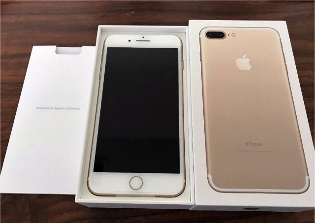 Продам iPhone 7 PLUS 128 gb цвет GOLD. Состояние нового телефона! Идеальное состояние. Полный комплект. Наушники, адаптер и кабель, коробка, документы.  Защитное стекло спереди и сзади телефона. Причина продажи iPhone X.