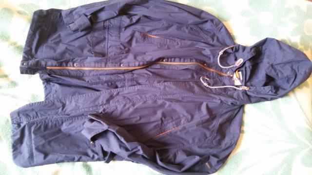 Куртка-ветровка. Размер 48-50. Цена 2500р (покупали в магазине за 4800р)