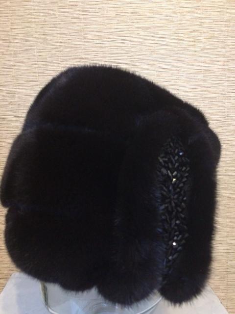 В связи с переездом продаю шапку из норки, размер 58/59, идеальное состояние, одевала пару раз, торг уместен