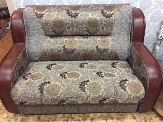 Продаю новый диван малютка. Размер 150x195. С ящиком для хранения белья. Состояние идеальное.